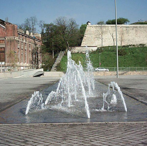 Erfurt Theaterbrunnen Fontainenfeld