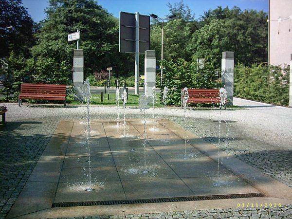 Ilmenau Lindenstraße Bodendüsen aus Edelstahl mit Glasfaseroptiken und einprogrammierten Wasserspiel