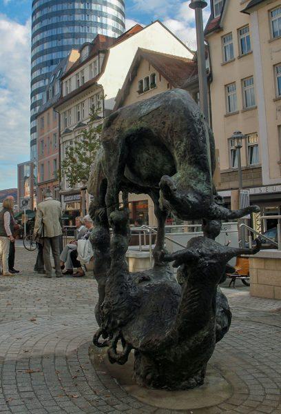 Jena Johannisplatz Bronzeskulptur Spiegelbild von Hermann Grueneberg