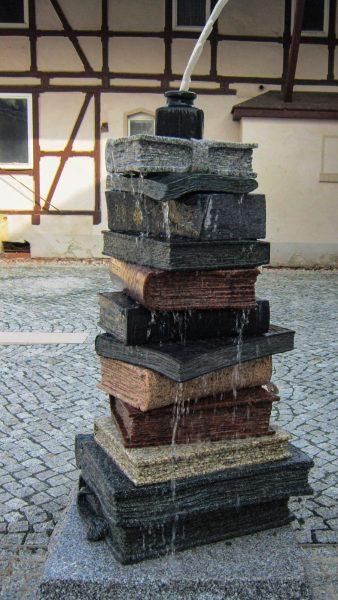 Brunnenmeisterei Weimar, Schreier, Lugau Bücherbrunnen
