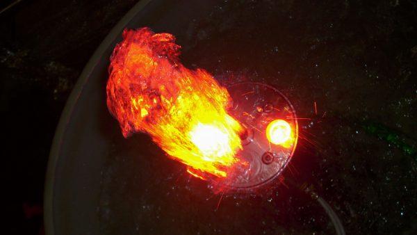 Power-LED-Klarwasserstrahldüse-mit-Farbansteuerung
